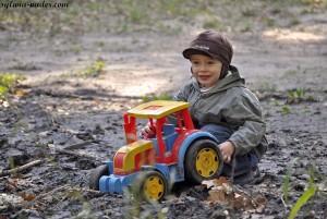 Mati z traktorem