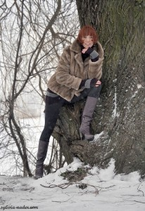 Kasia przy drzewie